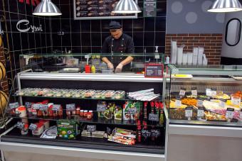 Sushi koelvitrines van Safecold Beveiligingstechniek B.V.